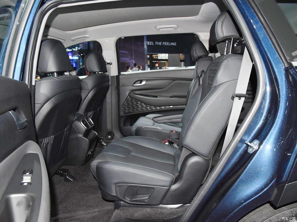 Hàng ghế sau của Hyundai Santa Fe 2019 phiên bản Trung Quốc