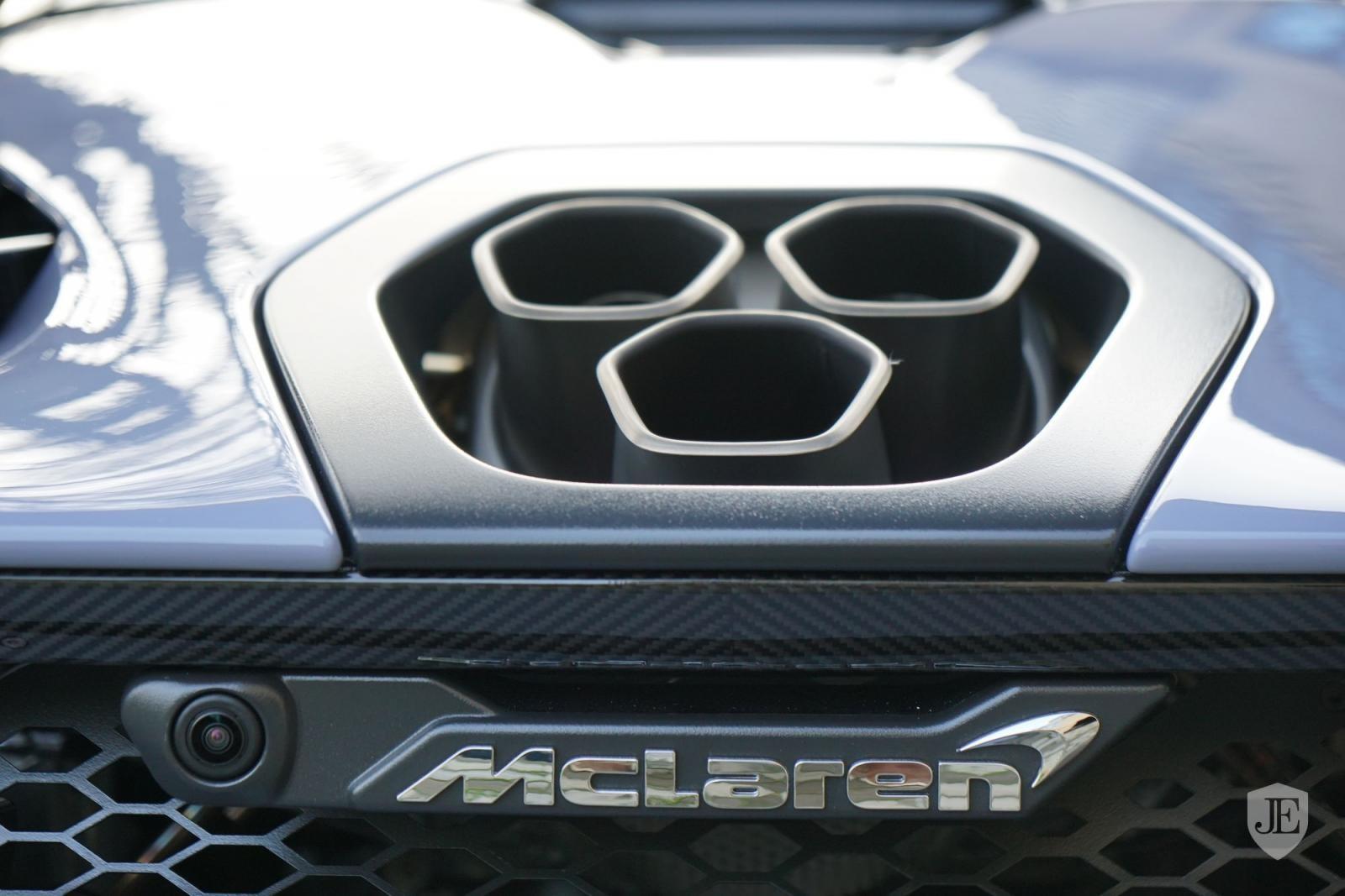 Siêu xe triệu đô McLaren Senna sử dụng khối động cơ V8, tăng áp kép, dung tích 4.0 lít sản sinh công suất tối đa 789 mã lực