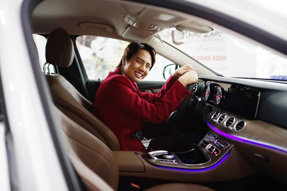 Nội thất xe Mercedes-Benz E200 đời mới của Duy Khánh Zhou Zhou