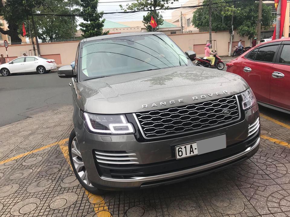 Trong khi Minh Nhựa vẫn chờ ngày nhận xe, doanh nhân Bình Dương đã có Range Rover Autobiography đời 2018