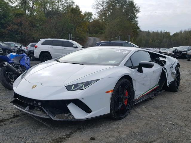 Chiếc siêu xe Lamborghini Huracan Performante này được người bán khẳng định còn hoạt động