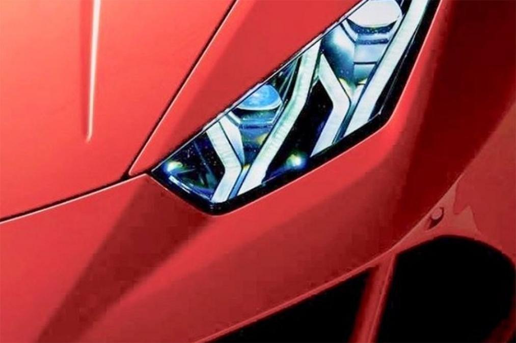 Hình ảnh hé lộ cụm đèn pha cải tiến của Lamborghini Huracan 2020
