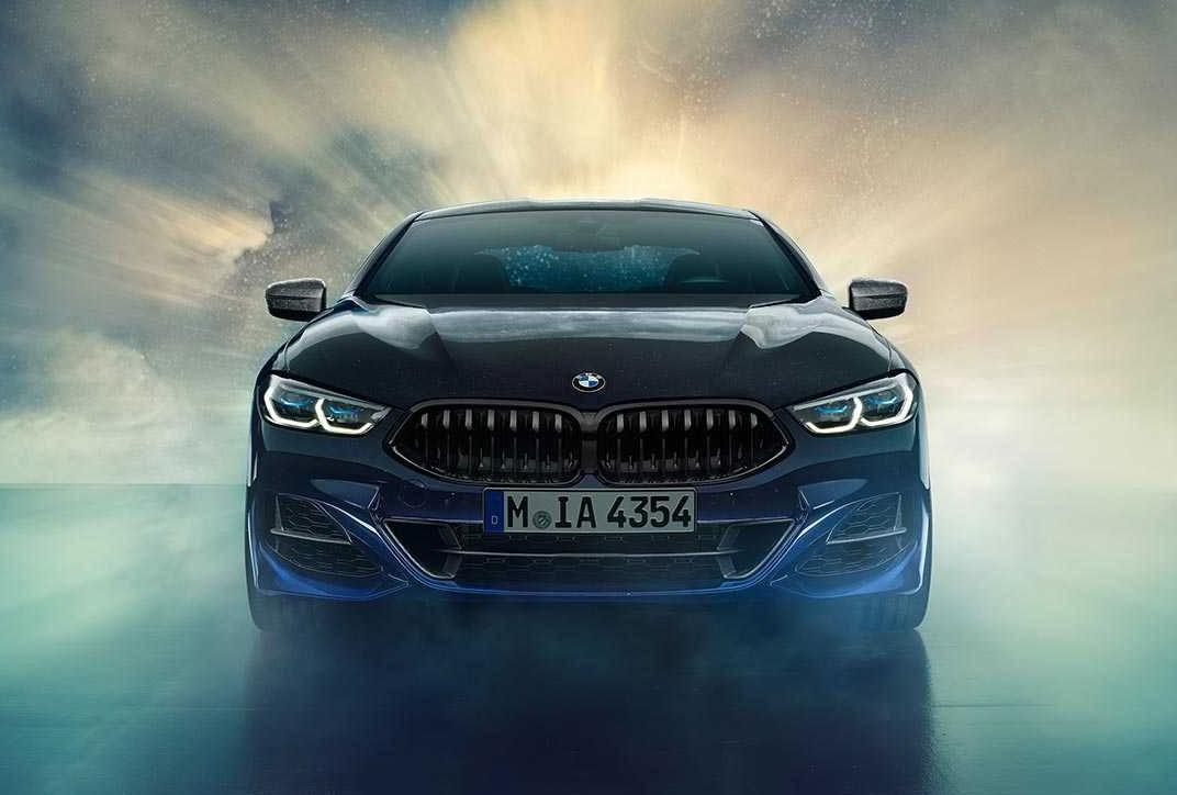Cận cảnh đầu xe của BMW M850i Night Sky