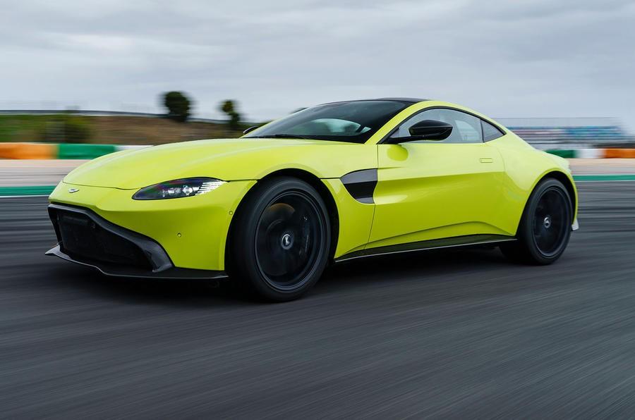 Cận cảnh vẻ đẹp của Aston Martin V8 Vantage 2018