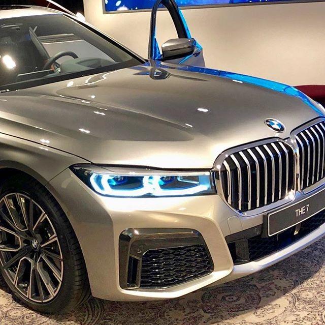 BMW 7-Series 2020 được trang bị đèn pha LaserLight hiện đại