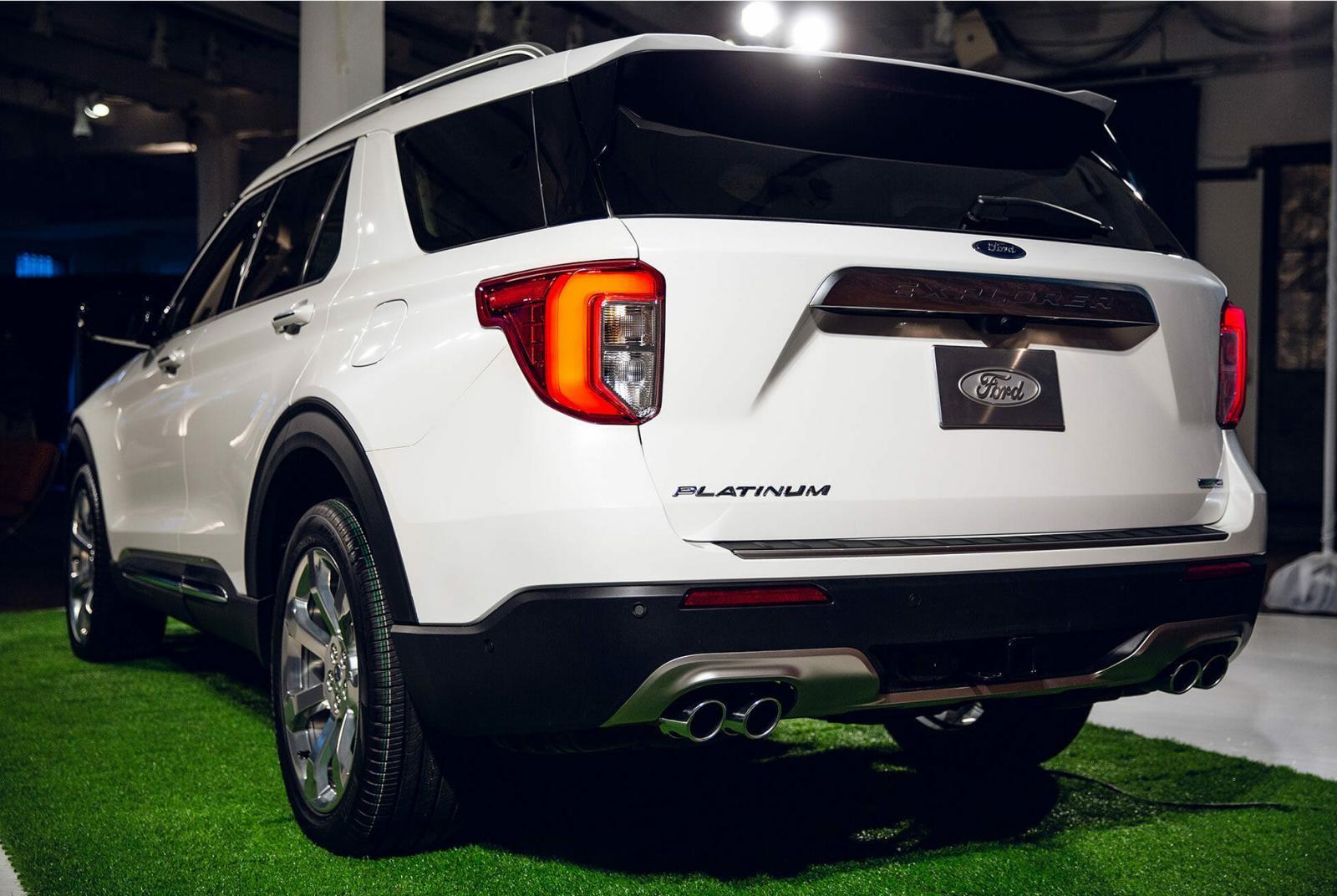 Thiết kế đuôi xe của Ford Explorer 2020 được cải tiến nhẹ
