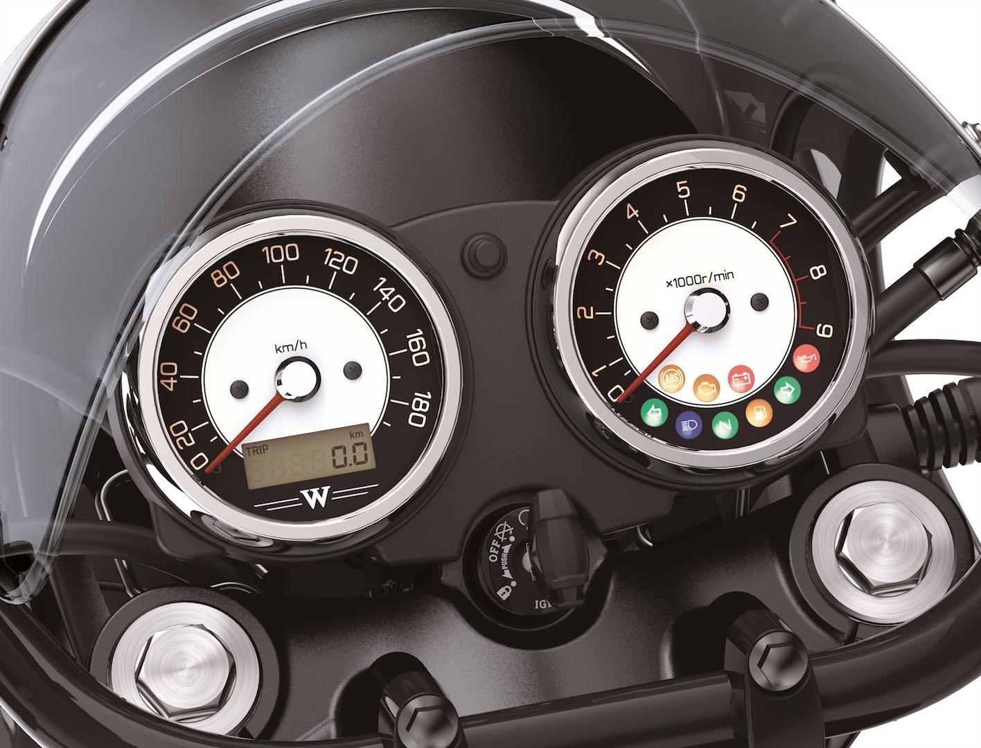 Đồng hồ Analog được giữ nguyên trên Kawasaki W800 Cafe 2019