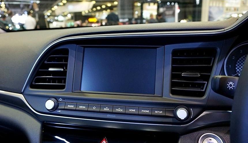Màn hình thông tin giải trí của Hyundai Elantra 2019