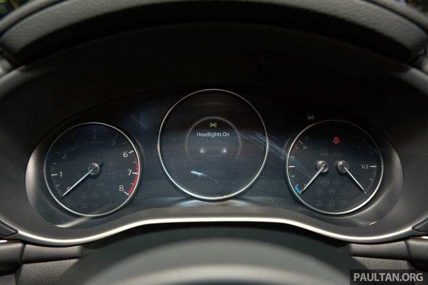 Bảng đồng hồ của Mazda3 2019