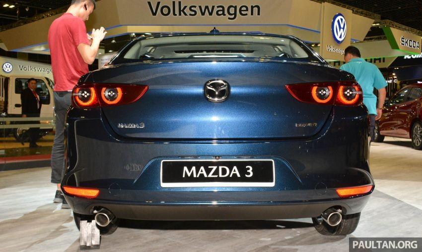 Cận cảnh đuôi xe của Mazda3 2019