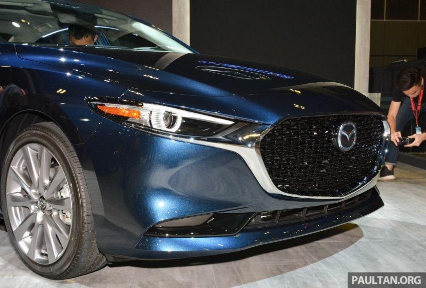 Cận cảnh cản trước của Mazda3 2019