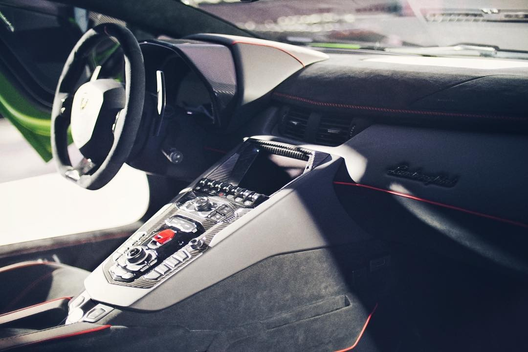 Công suất tối đa của Lamborghini Aventador SVJ mới ra mắt ở Thái Lan cao hơn 70 mã lực so với Aventador LP700-4