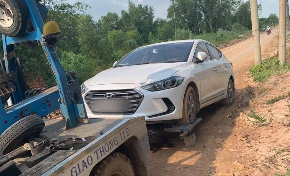 Sau gần 2 năm sử dụng, chiếc Hyundai Elantra của bà Yến bất ngờ chết máy khi di chuyển trên đường