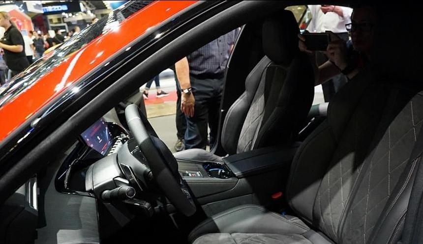 Hàng ghế trước của Peugeot 508 2019