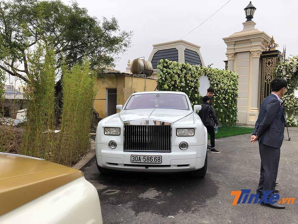 Tại Việt Nam, Rolls-Royce vẫn là một thương hiệu xe siêu sang được nhiều đại gia lựa chọn làm phương tiện đi lại.