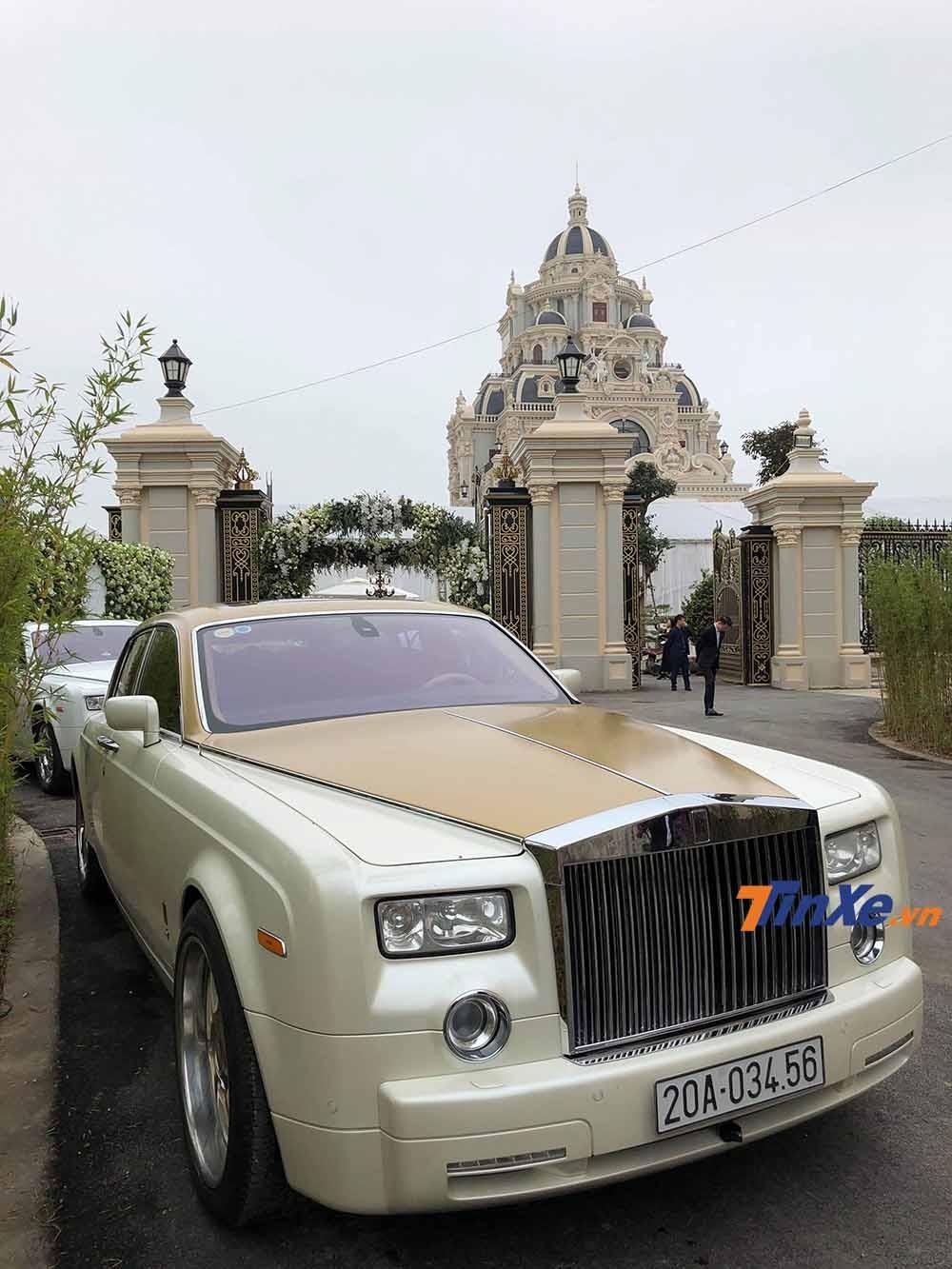 Rolls-Royce Phantom có giá bán tiêu chuẩn tại Việt Nam trên dưới 35 tỉ VNĐ.