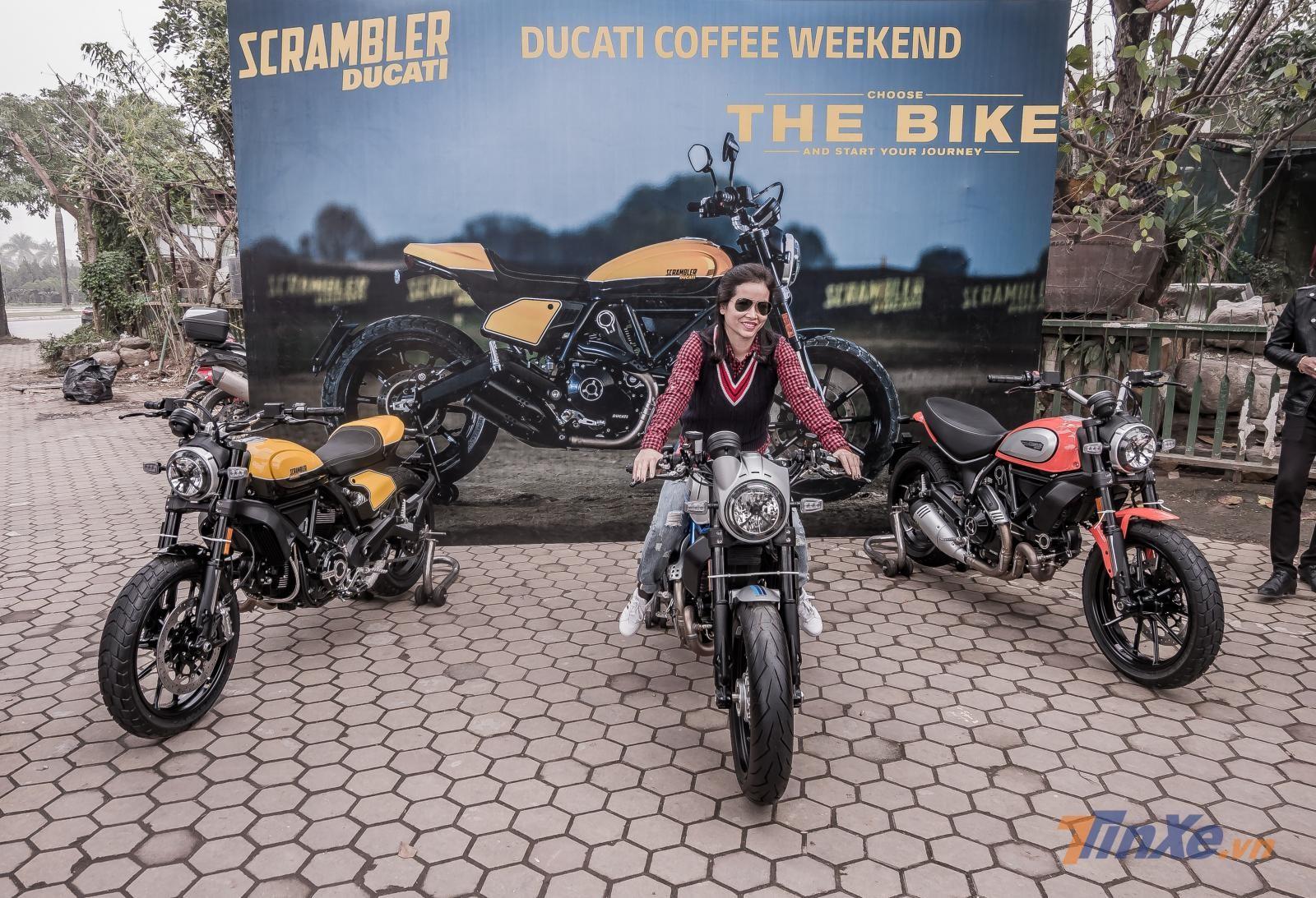 Ngồi thử và chụp ảnh với Ducati Scrambler Cafe