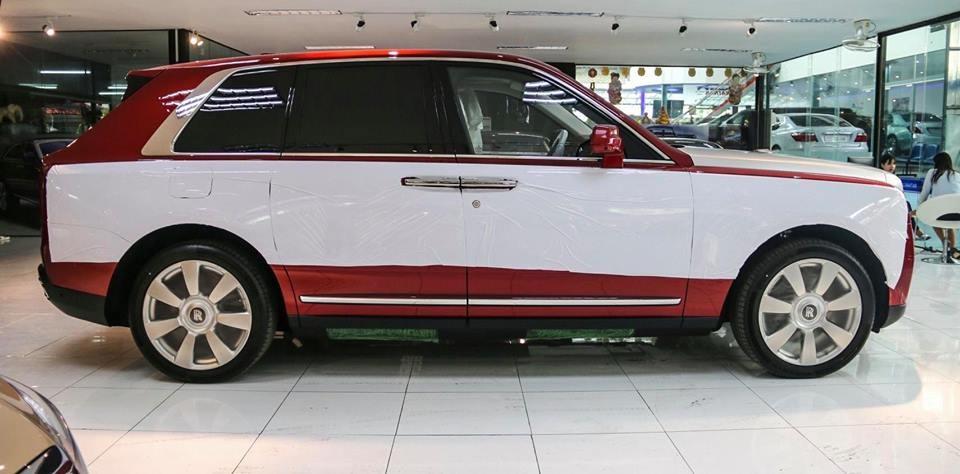 Rolls-Royce Cullinan được trang bị động cơ V12, tăng áp kép, dung tích 6.75 lít, sản sinh công suất tối đa 563 mã lực