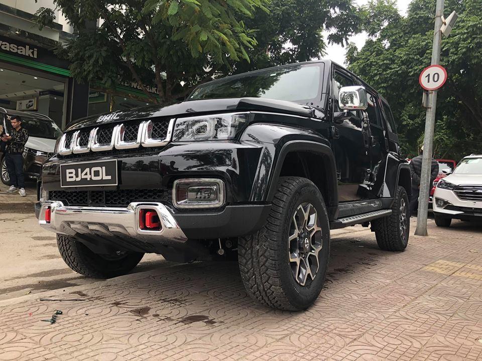 Chiếc BAIC BJ40L Plus 2018 màu đen tại Việt Nam
