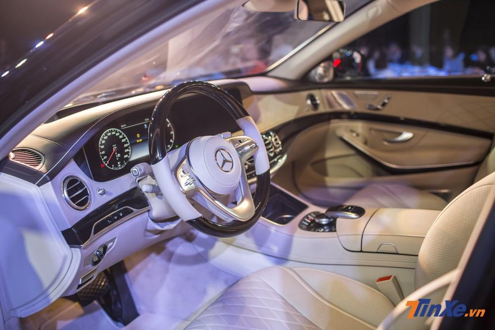 Nội thất bên trong Mercedes-Benz S450L Luxury