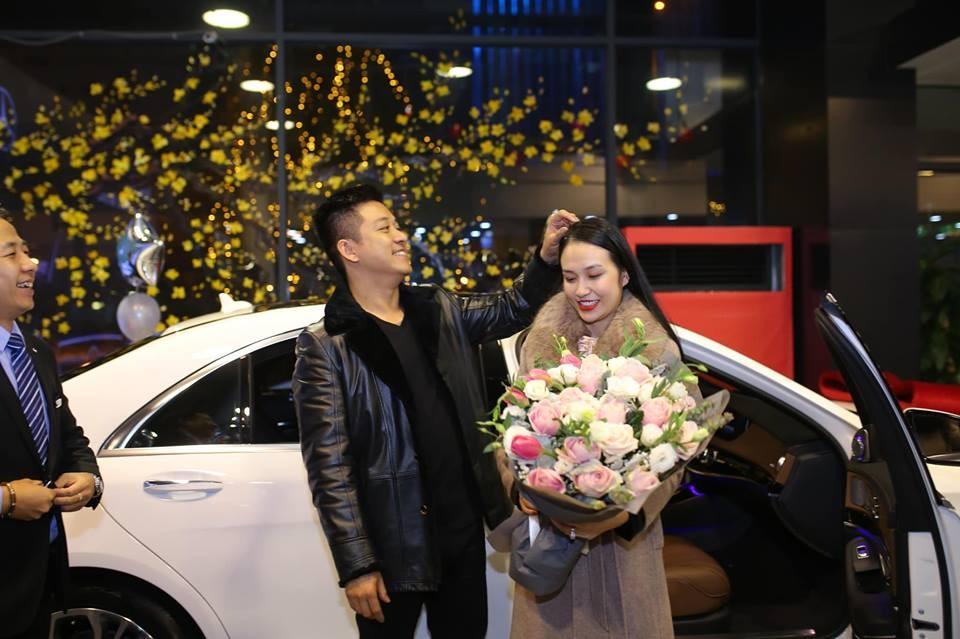 Chiếc Mercedes-Benz S450L Luxury mới của vợ chồng Tuấn Hưng có giá gần 4,9 tỷ đồng