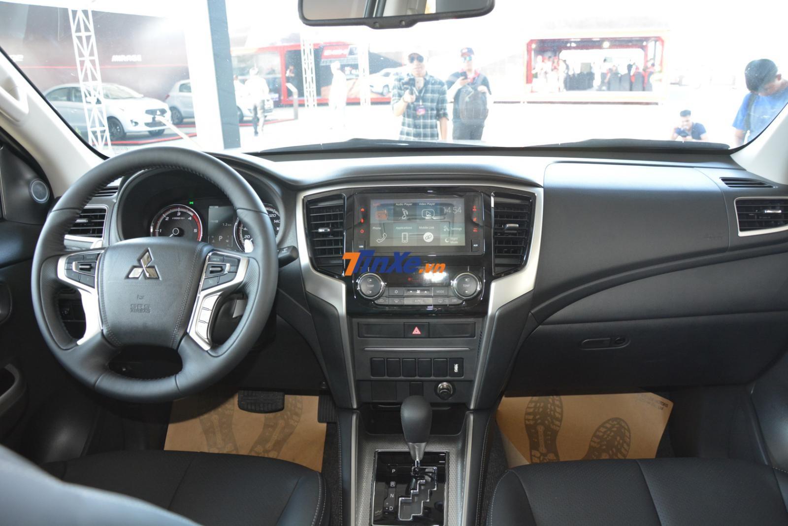 Tổng thể nội thất của Mitsubishi Triton 2019