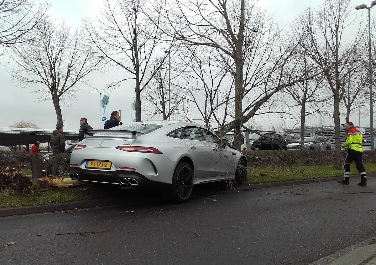 Chiếc xe sang này thuộc phiên bản Mercedes-AMG GT 63 S 4Matic+ 4-Door Coupe