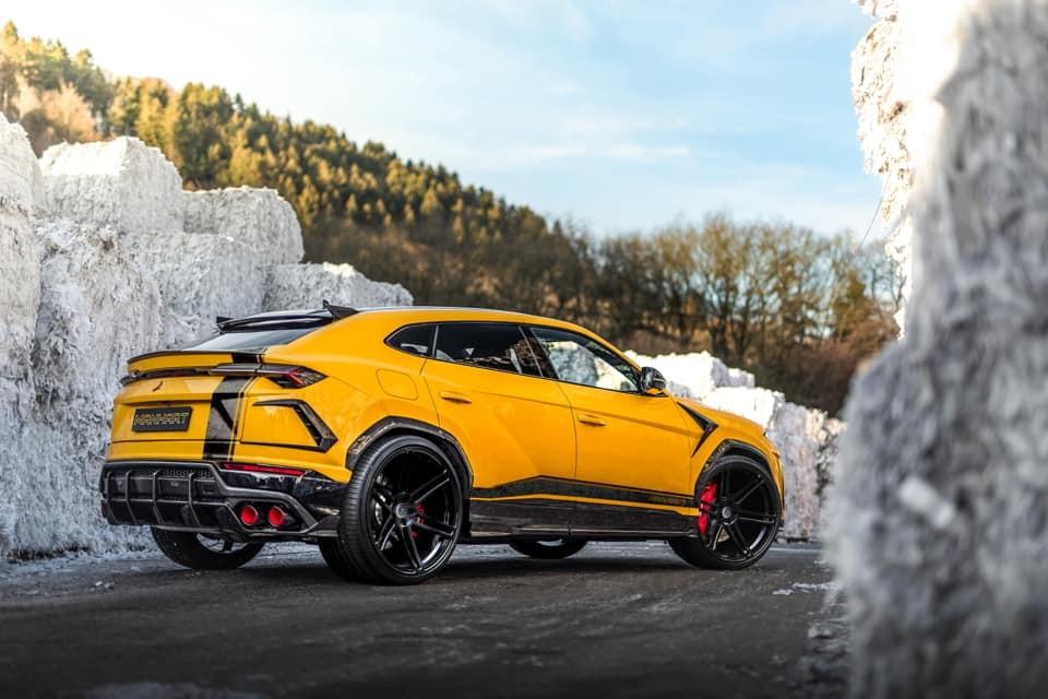 Và cả phía sau của Lamborghini Urus đã được Manhart Performance nâng cấp nhẹ ngoại hình