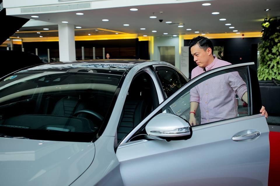 A2 Lam Trường tậu Mercedes-Benz E300 AMG có giá 2,77 tỷ đồng
