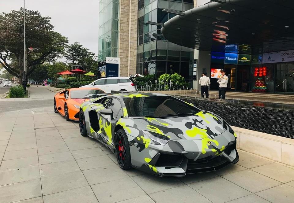 Siêu xe Lamborghini Aventador LP700-4 độ body kit Vorsteiner cùng Lamborghini Huracan LP610-4 màu cam