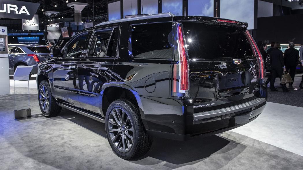 Kích thước lớn là một trở ngại khiến Cadillac Escalade khó tiếp cận khách hàng Anh