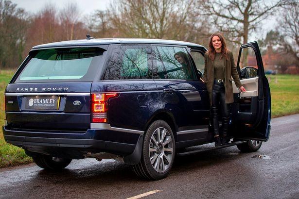 Chiếc Range Rover Autobiography của Hoàng tế Philip được sơn màu xanh dương