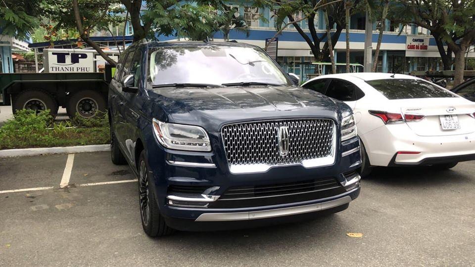 Lincoln Navigator Black Label L 2018 được trang bị động cơ xăng V6, dung tích 3.5 lít, tăng áp kép, sản sinh công suất tối đa 450 mã lực