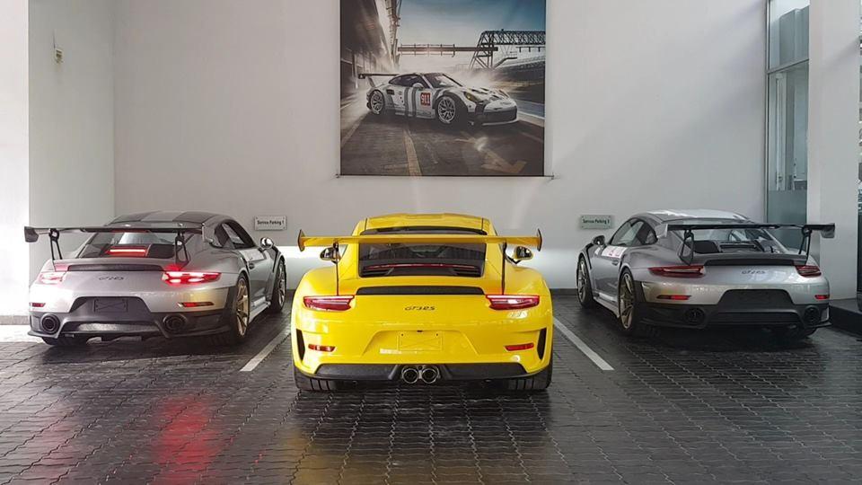Porsche 911 GT3 RS 2019 màu vàng Racing