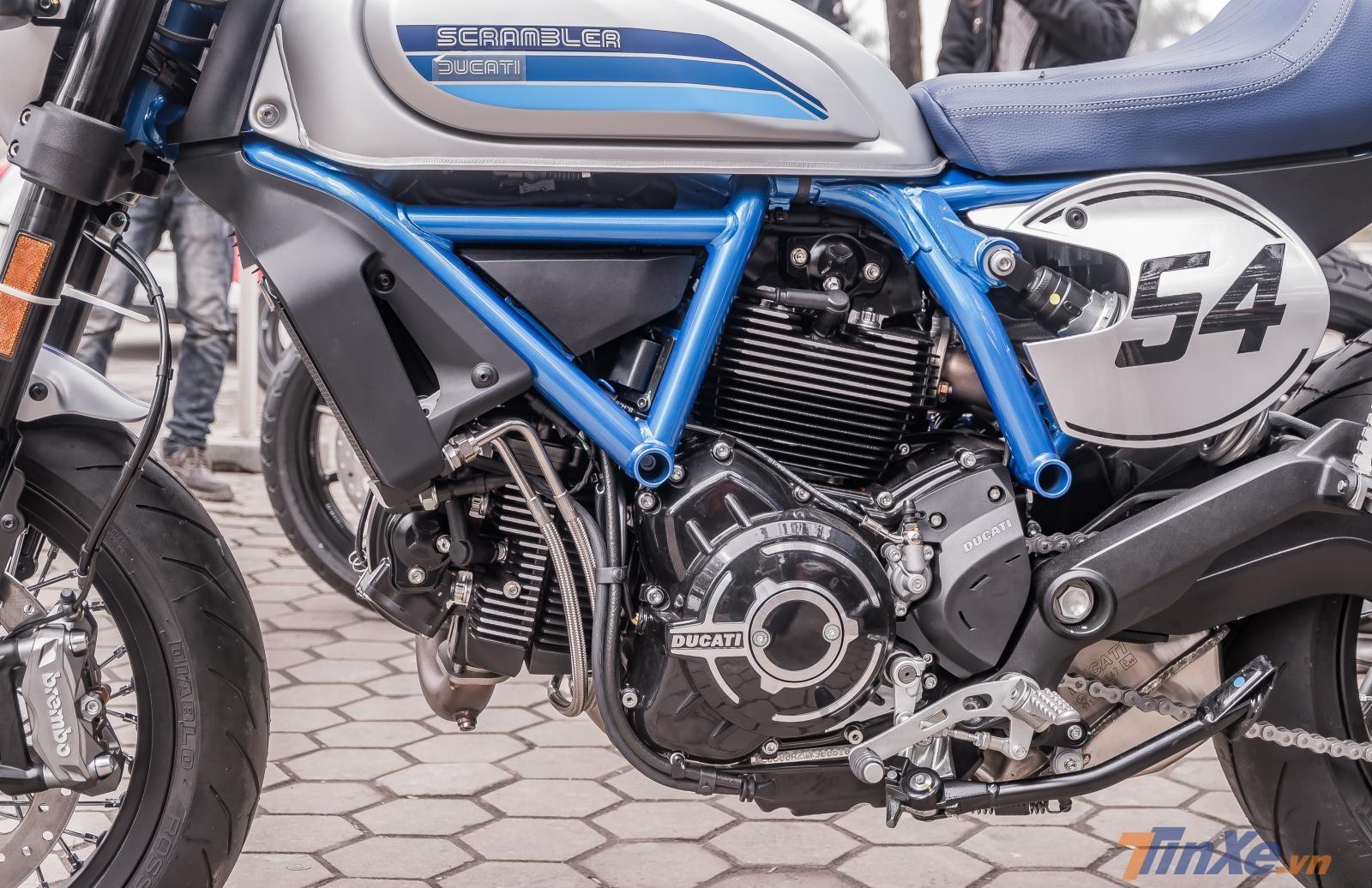 Khối động cơ 803cc trên Ducati Scrambler Cafe 2019