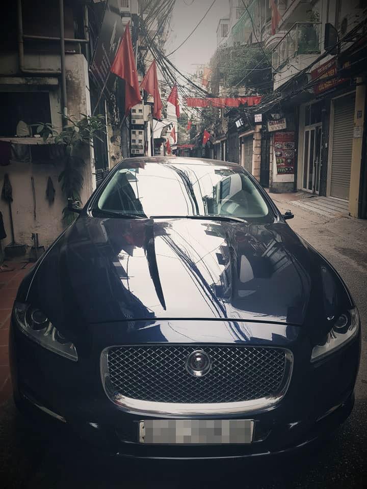 3 chiếc xe mang thương hiệu Mazda, Mercedes-Benz và Jaguar bị vặt gương trong đêm giao thừa tại Hà Nội