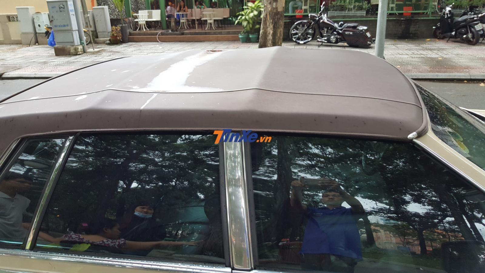 Chiếc Cadillac Seville hàng độc tại Sài thành còn có gói tuỳ chọn Full Cabriolet Roof