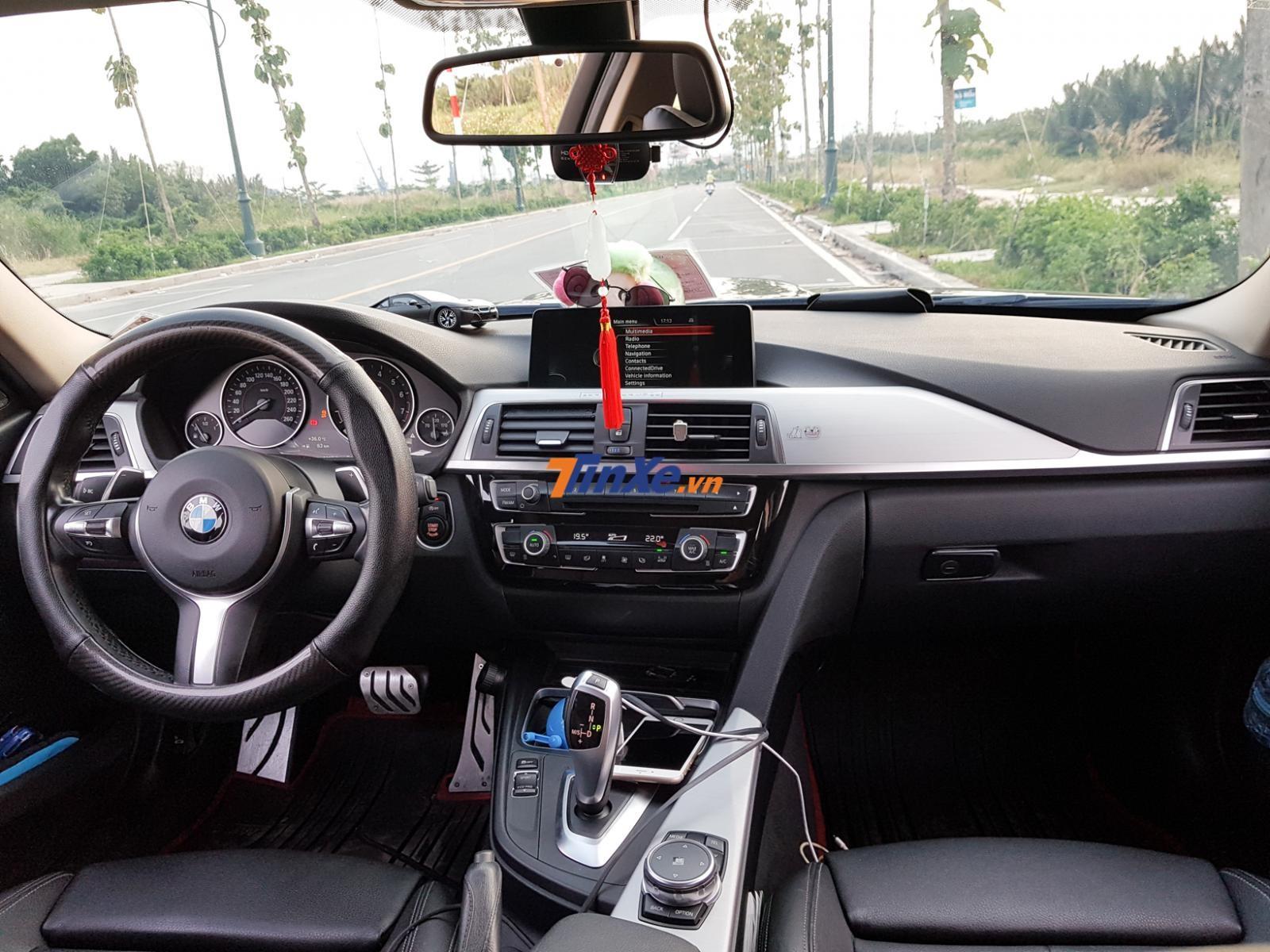 Nội thất BMW 330i B48 độ của người yêu xe tại Sài thành
