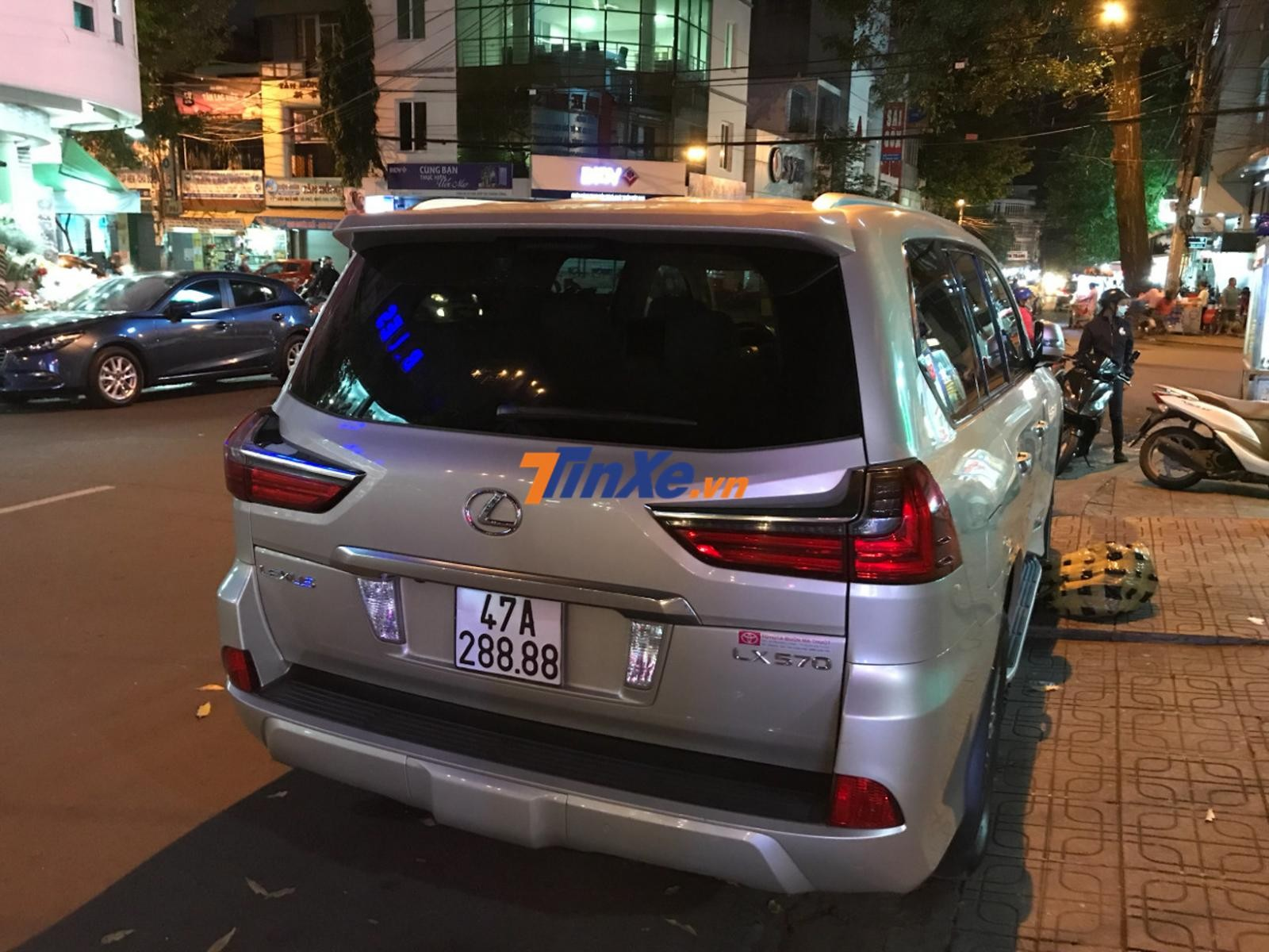 Biển số khủng của chiếc SUV hạng sang Lexus LX570 tại tỉnh Đắk Lắk