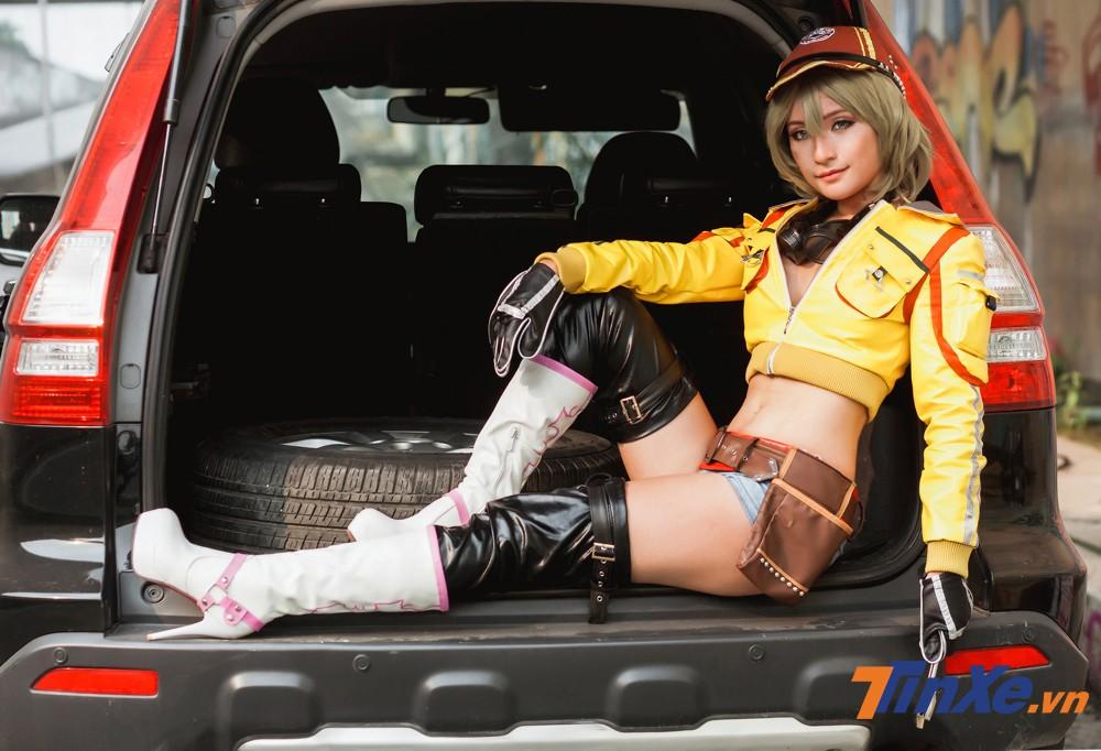 Thiếu nữ Việt cosplay cô nàng sửa xe gợi cảm Cindy Aurum trong ngày đầu năm - 7