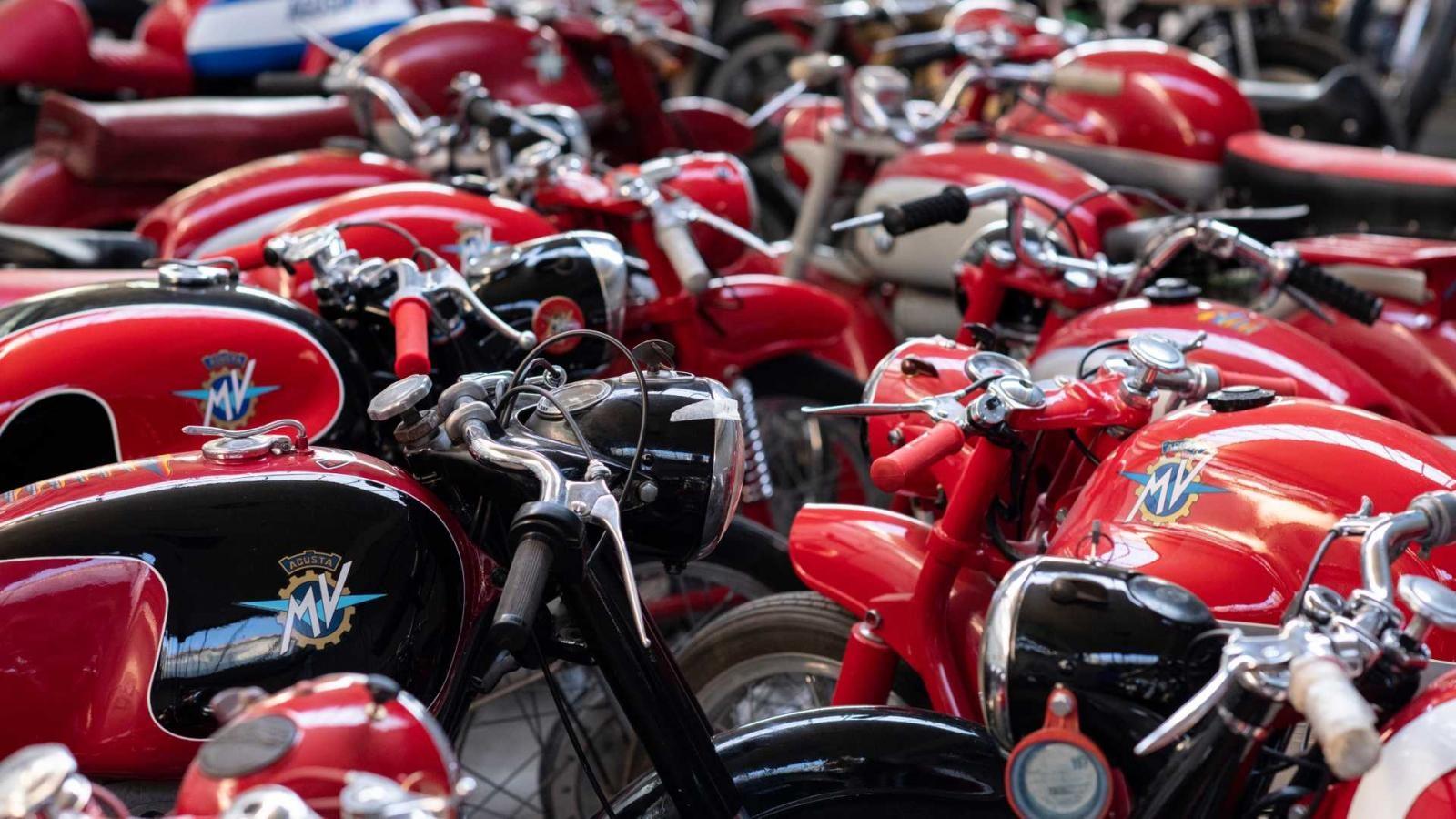 Bộ sưu tập có số lượng lên đến 90 xe, bao gồm rất đầy đủ các dòng xe mà MV Agusta đã và đang sản xuất