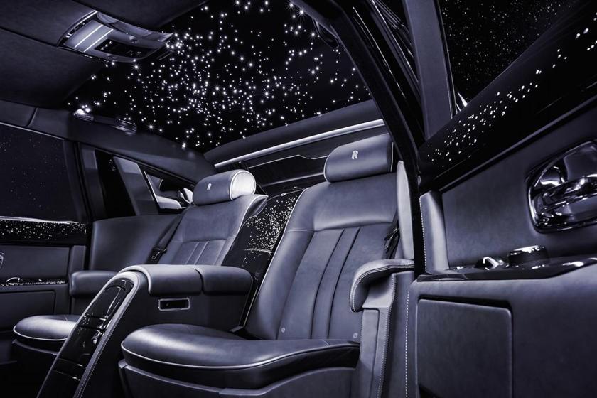 """""""Bầu trời"""" ngàn sao bên trong Rolls Royce có giá tới 13.000 USD"""