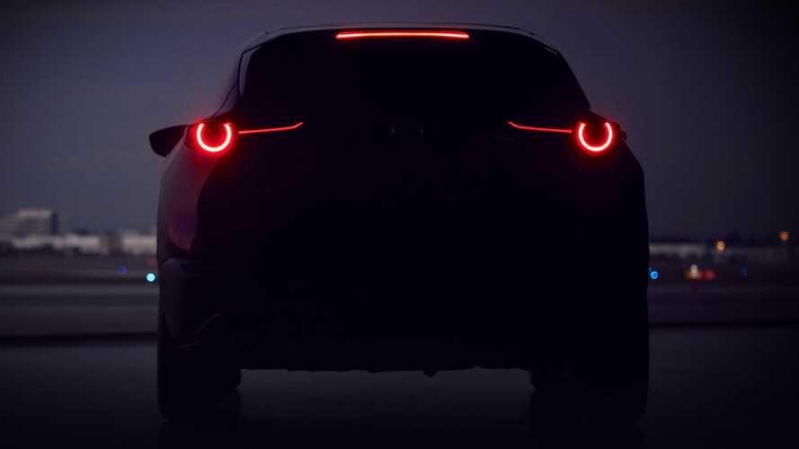 Hình ảnh úp mở mẫu crossover cỡ C mới của Mazda