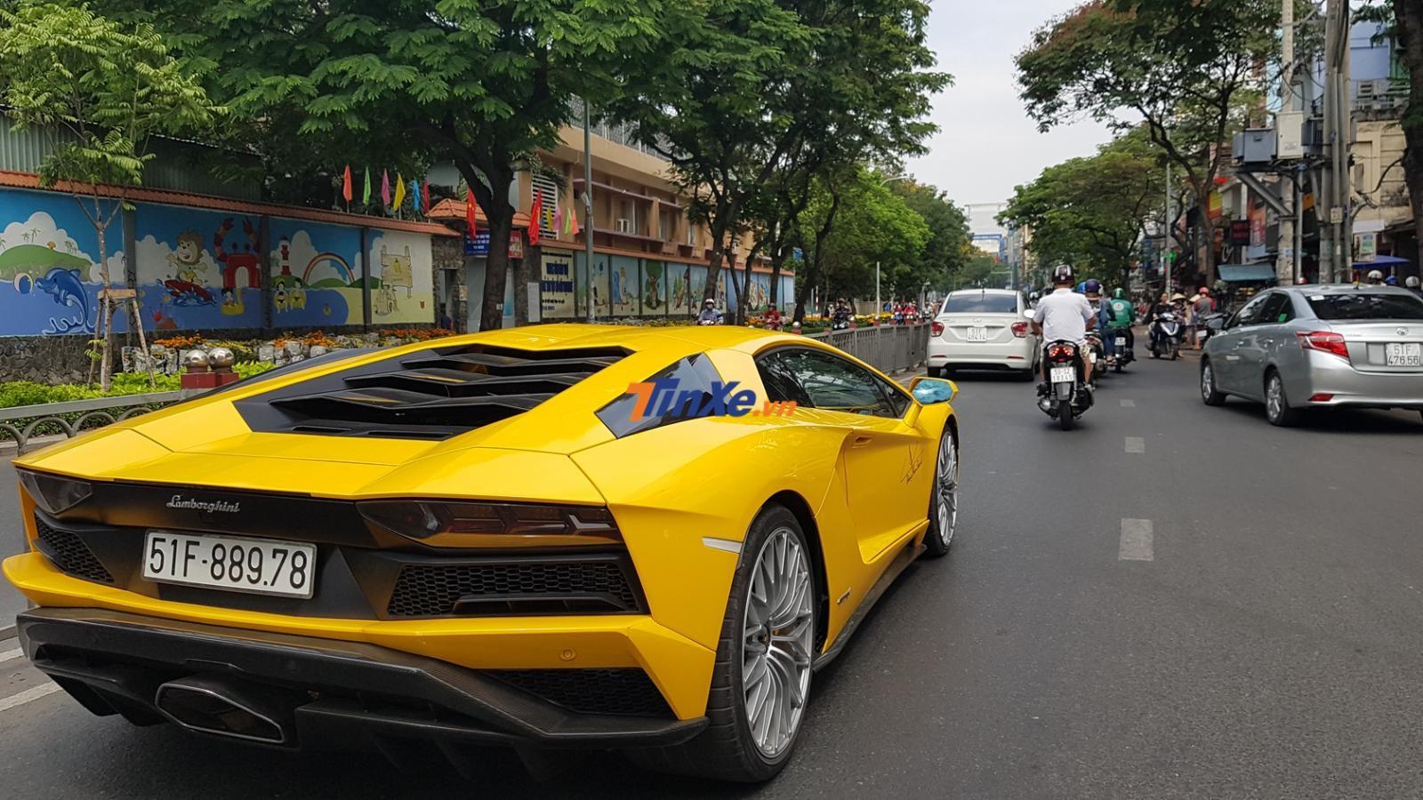 Hiện đây là chiếc siêu xe Lamborghini Aventador S LP740-4 độc nhất Việt Nam