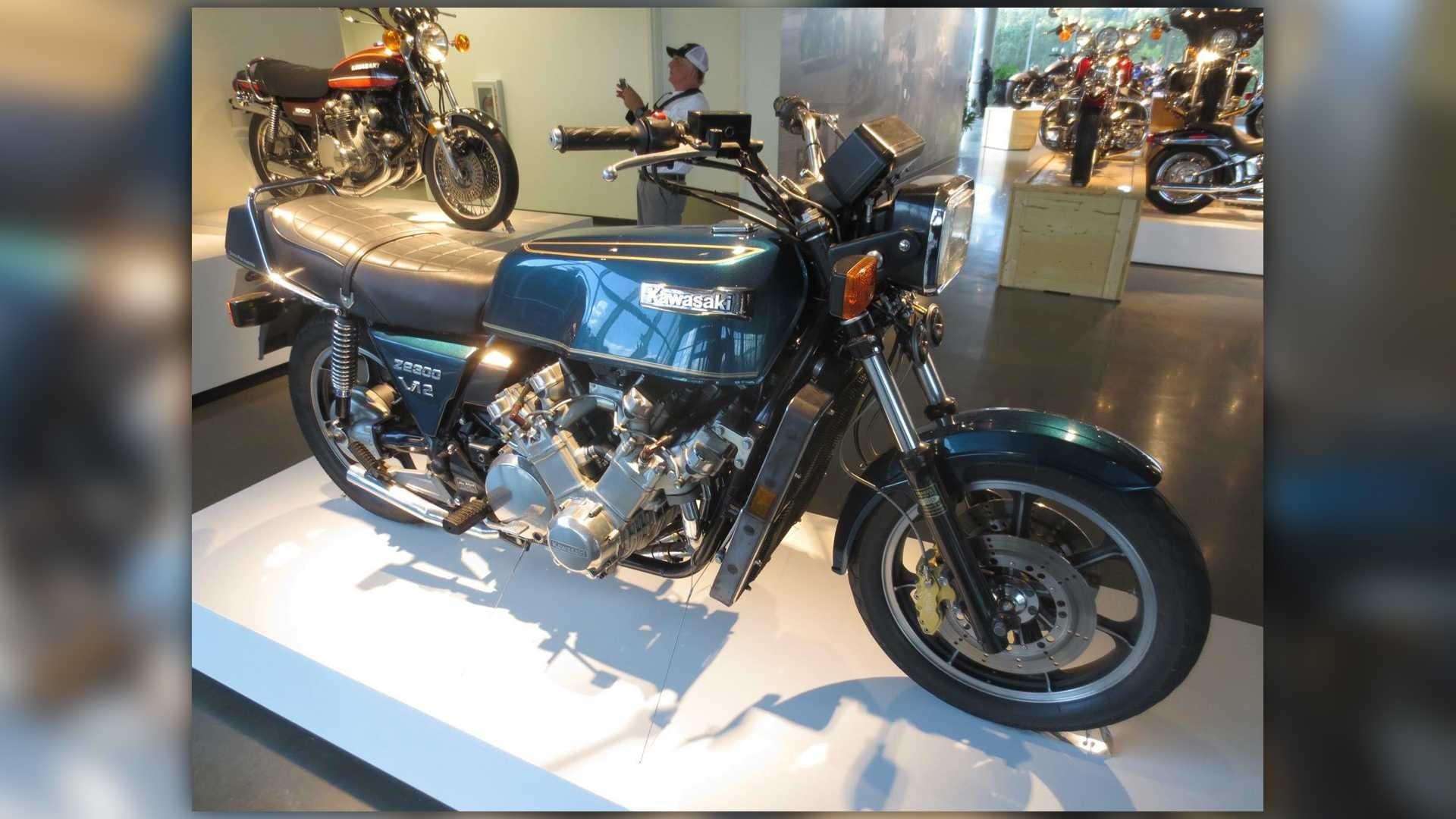 Kawasaki KZ2300 V12