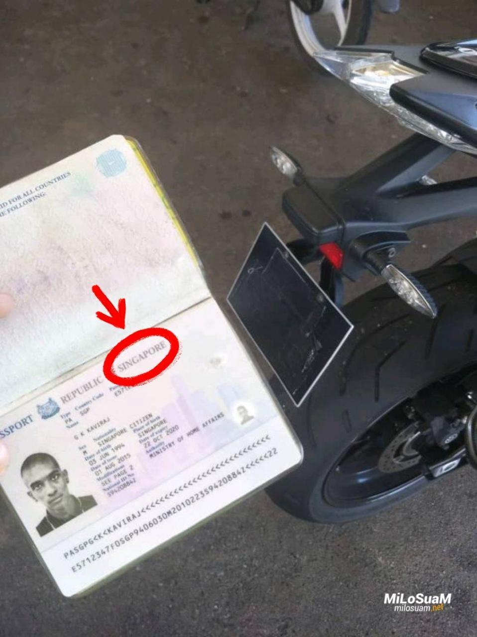 Hộ chiếu cho thấy người vi phạm mang quốc tịch Singapore