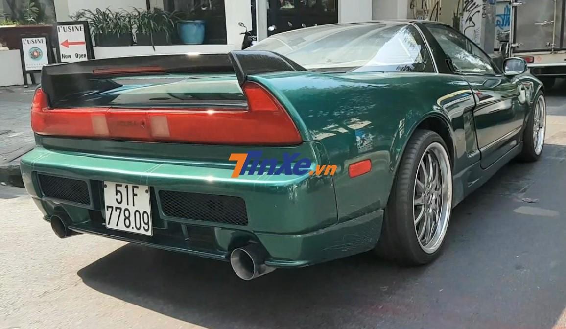 Chiếc Acura NSX này được chủ nhân cho độ body kit thân rộng
