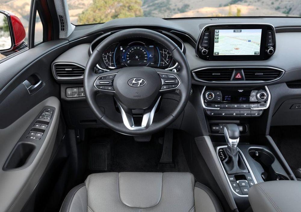 Nội thất của Hyundai Santa Fe 2019 là điểm cộng với sự rộng rãi, đẹp mắt