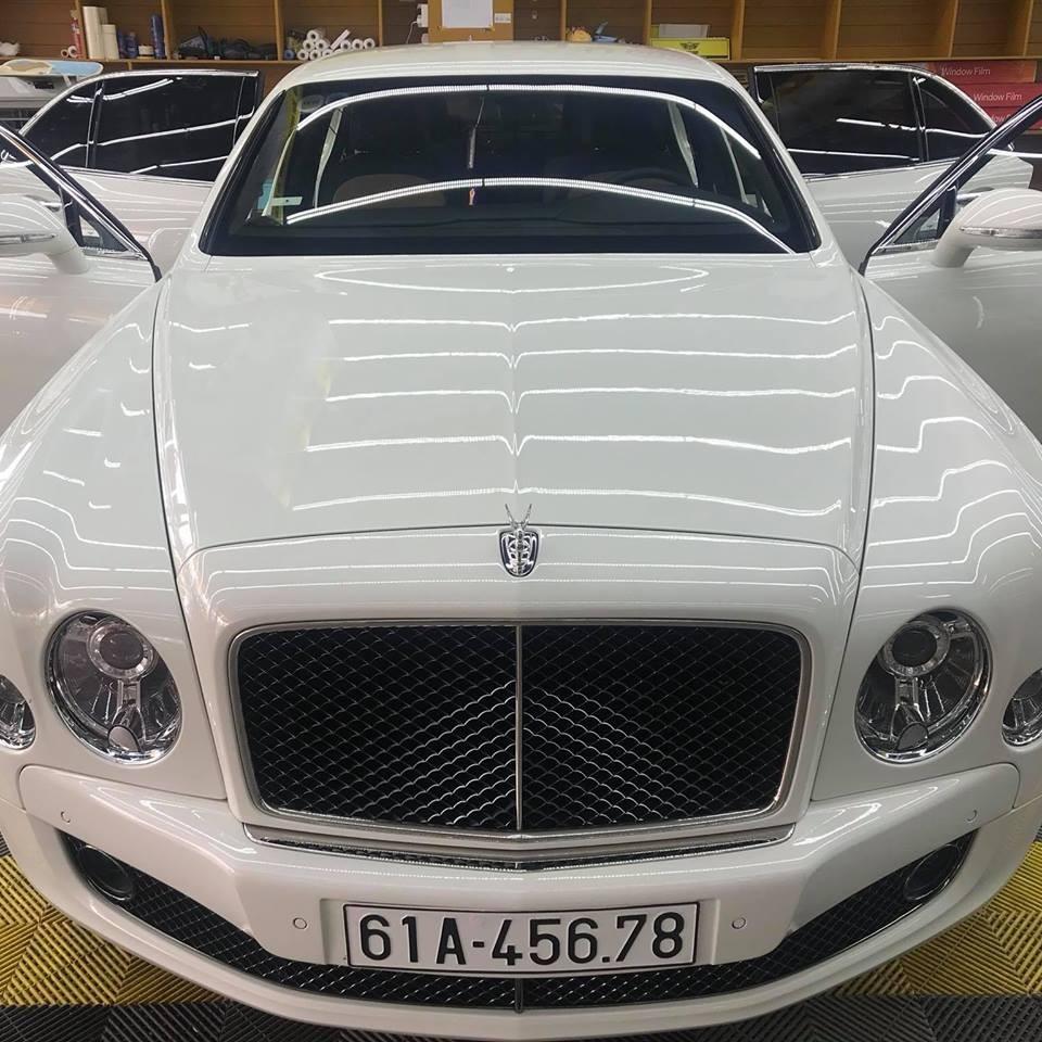 Bentley Mulsanne Speed của nữ doanh nhân tại Bình Dương mang biển san bằng tất cả