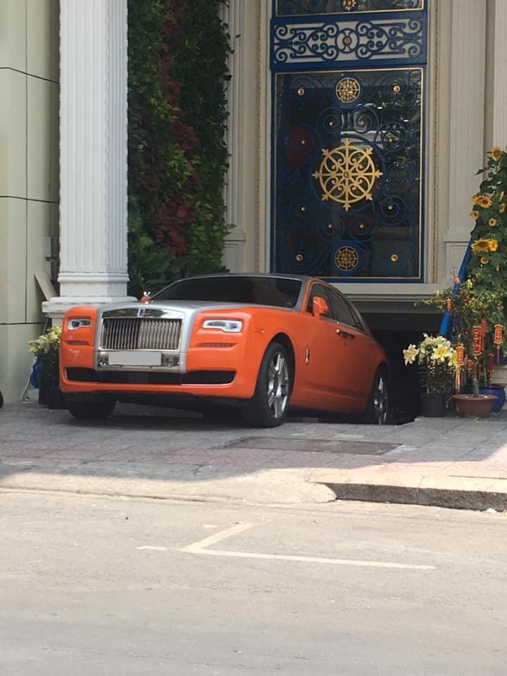 Rolls-Royce Ghost Series II màu cam của Dũng Lò Vôi